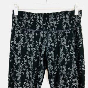 Fabletics cropped Workout Pants Floral Size XS